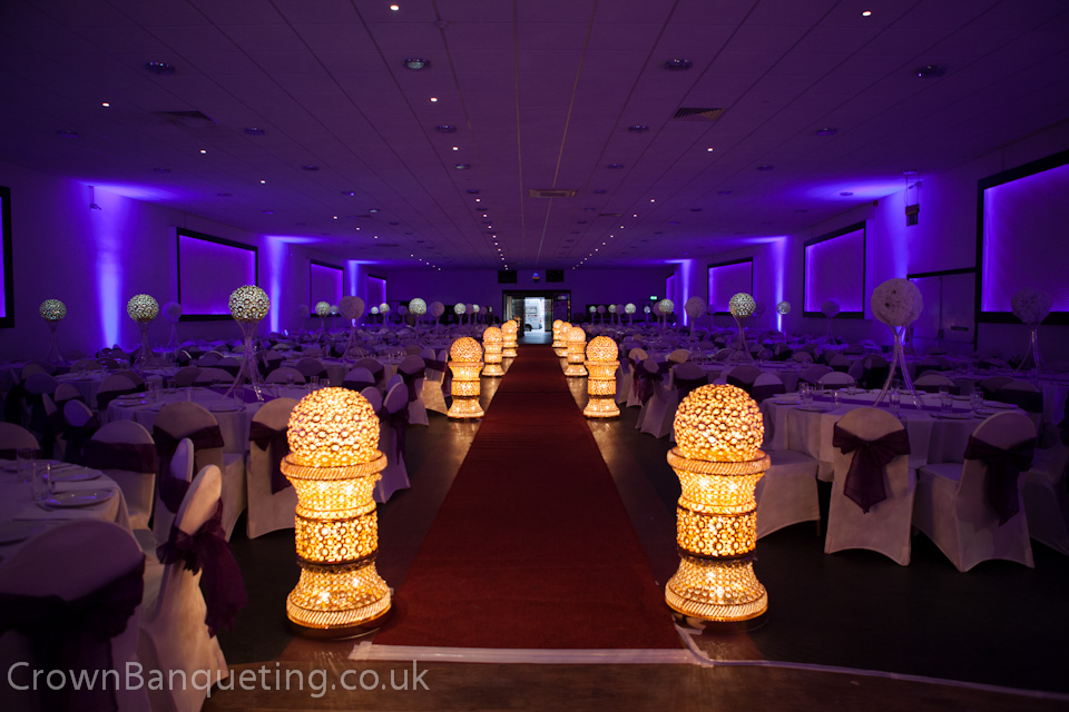 Crown banqueting amir haq photography asian wedding for Asian wedding stage decoration manchester
