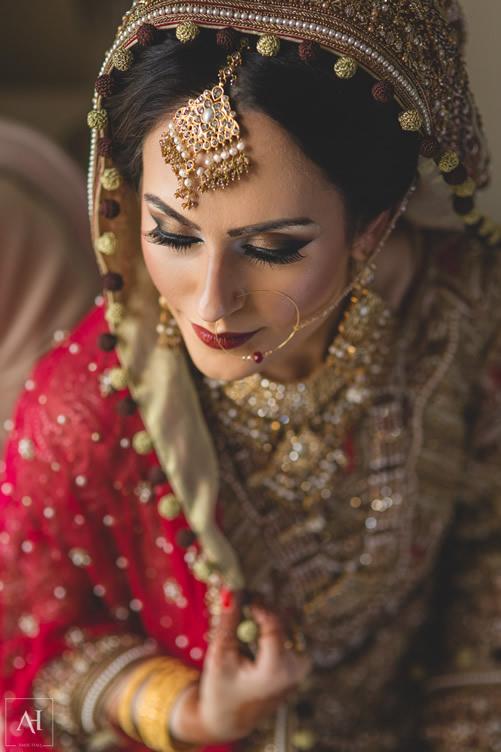 Saba Bride
